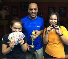 Mega 8 Ball : Younis Wins
